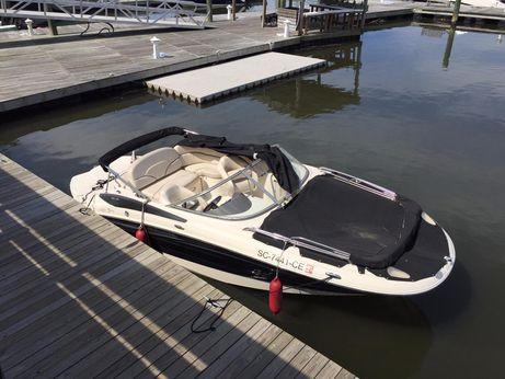 2006 Azure 20 Deckboat