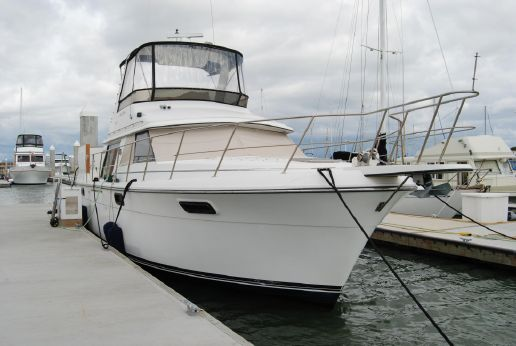 1987 Carver Yachts 4207