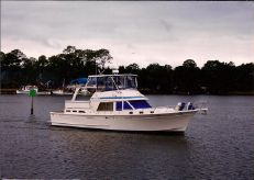 1990 Offshore 48 Yachtfisher Cockpit Motor Yacht