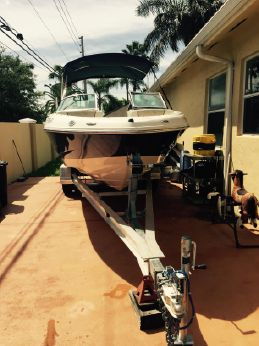 2010 Sea Ray 210 Bow Rider
