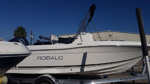2015 Robalo R180 Center Console