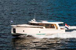 2011 Greenline 40 Hybrid