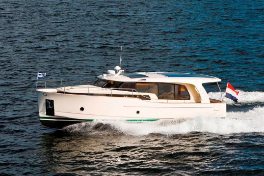 2011 Greenline 40 Full Hybrid