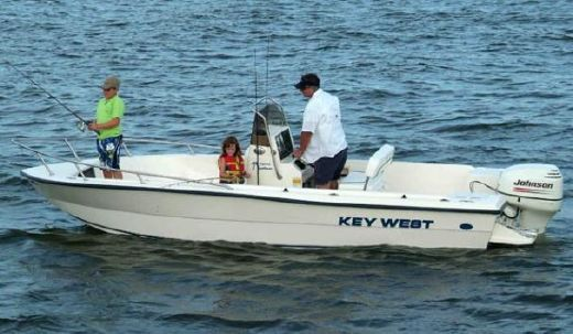 2005 Key West 1900 Center Console