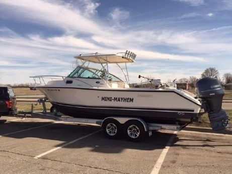 2014 Pursuit 255 Offshore