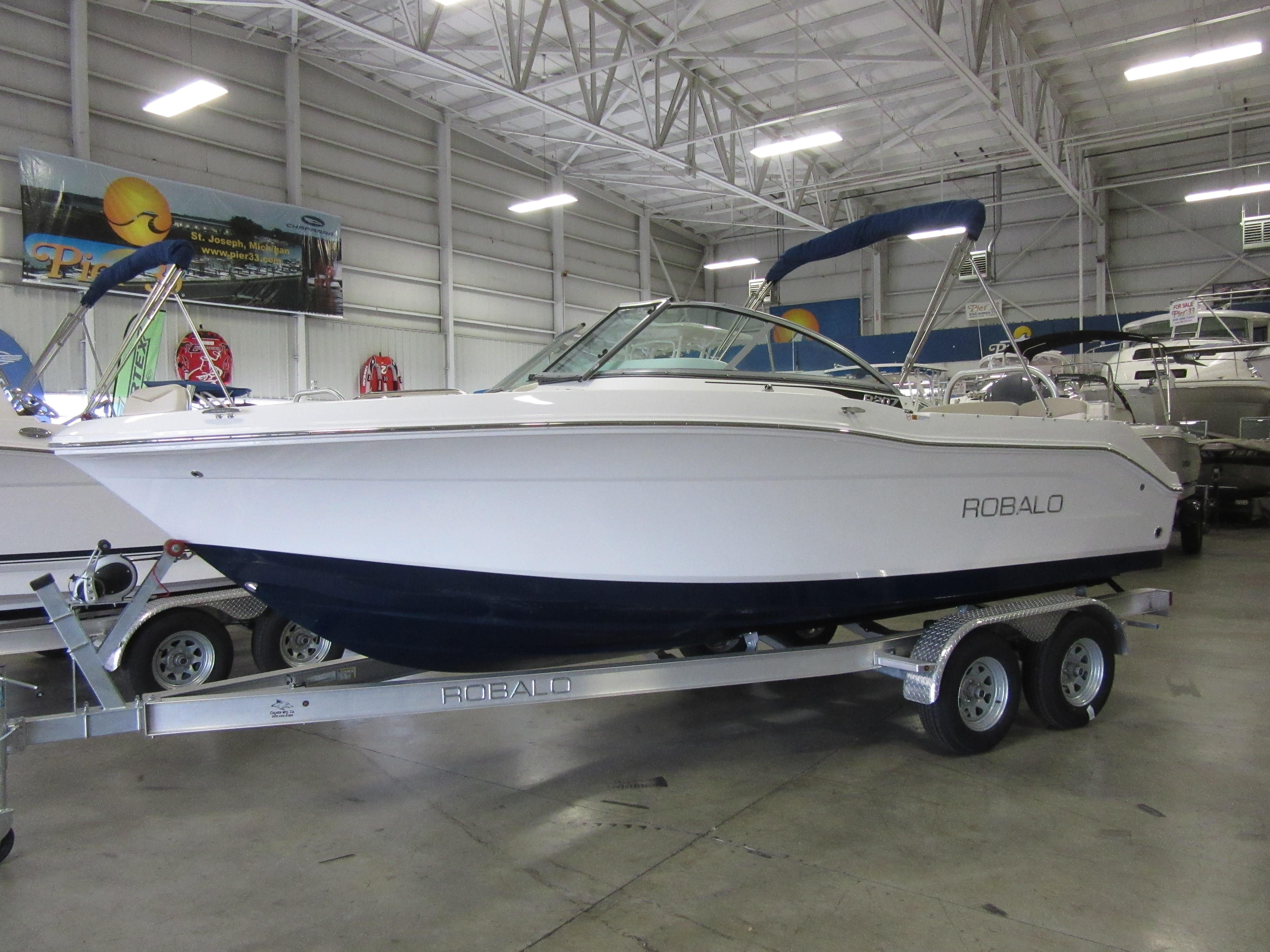 2017 robalo r207 dual console power boat for sale www for Robalo fish in english
