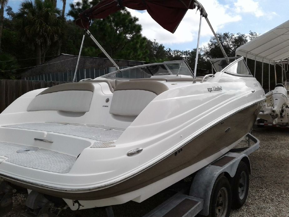 2008 Yamaha Boats 232 Limited Power Boat For Sale