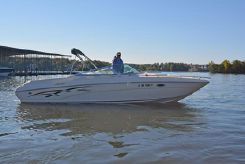 2000 Rinker 272 Captiva Cuddy