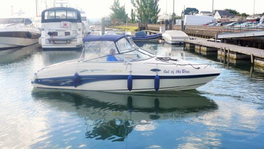 2000 Rinker 232 Captiva Cuddy
