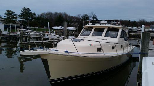 2004 Mainship Pilot Sedan Rum Runner II