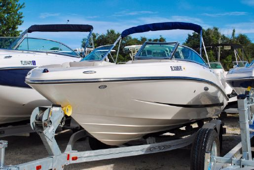 2011 Sea Ray 210 SLX