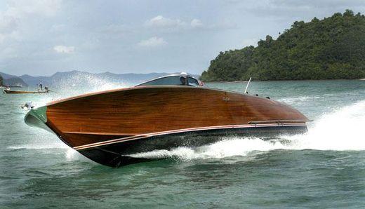 2004 Kay Tek 32 Motor Yacht