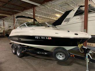 2011 Sea Ray 200 SD