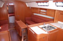 2007 J Boats J122