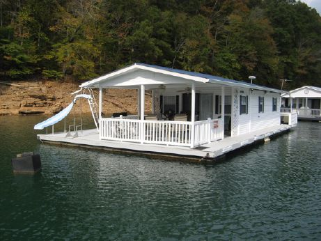 1993 Custom Built 14.5 x 31 Floating Cottage 450sqft