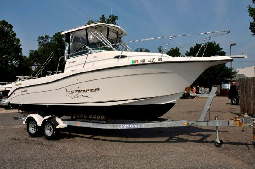 2003 Seaswirl Striper 2601 Walkaround IO