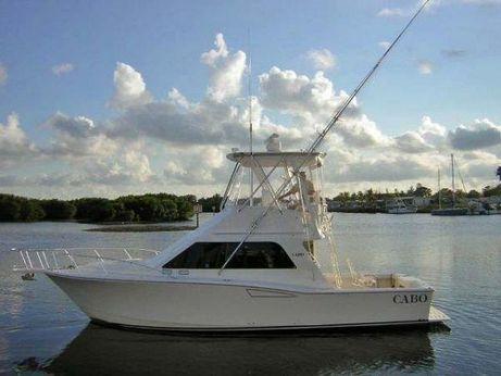 2005 Cabo Yachts 35 Flybridge Sportfisher