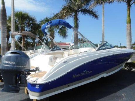 2018 Nauticstar 243 DC Deck Boat