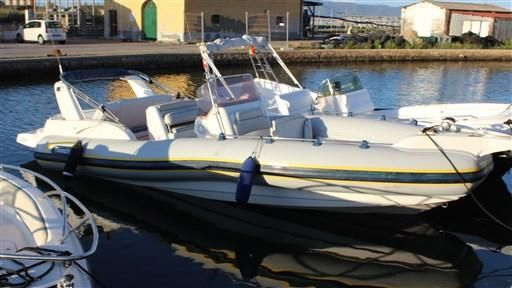 2006 Marlin Boat MARLIN 25 EFB