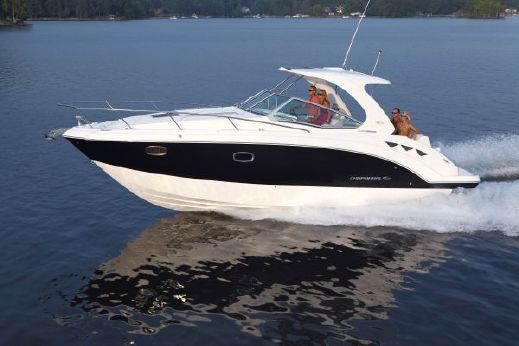 2014 Chaparral 330 Signature Cruiser
