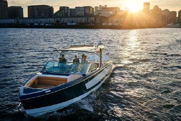 2020 Aviara AV36 Outboard