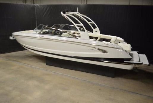 2015 Cobalt Boats A28