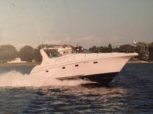 1998 Cruisers Yachts 3375 Express