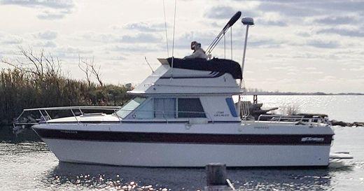 1984 Cruisers Yachts 298 Villa Vee