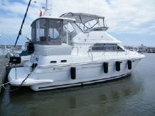 2001 Cruisers 3750 Motor Yacht