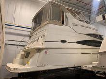 2003 Carver 366 Aft Cabin