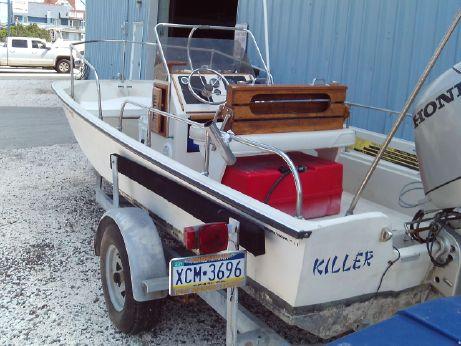 1977 Boston Whaler 17 Montauk
