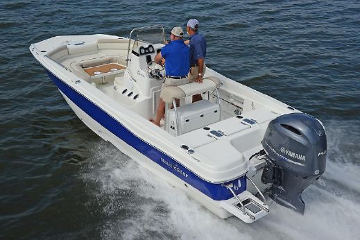 2018 Nautic Star 211 Angler Combo Deck