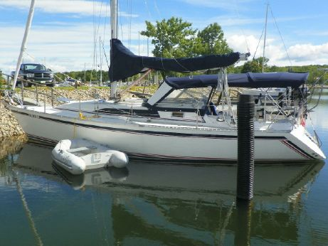 1987 Cs Yachts Merlin 36