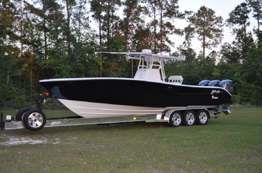 2010 Yellowfin 32 Center Console