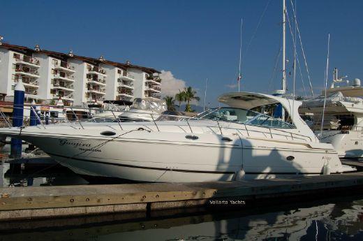 2003 Cruisers Yachts 4270 Express