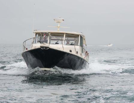 2008 Mainship Pilot 34 Sedan