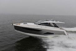 2018 Sealine S330