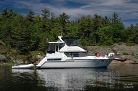 1996 Carver 355 Motor Yacht