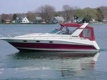 1990 Cruisers Yachts 3070 Rogue