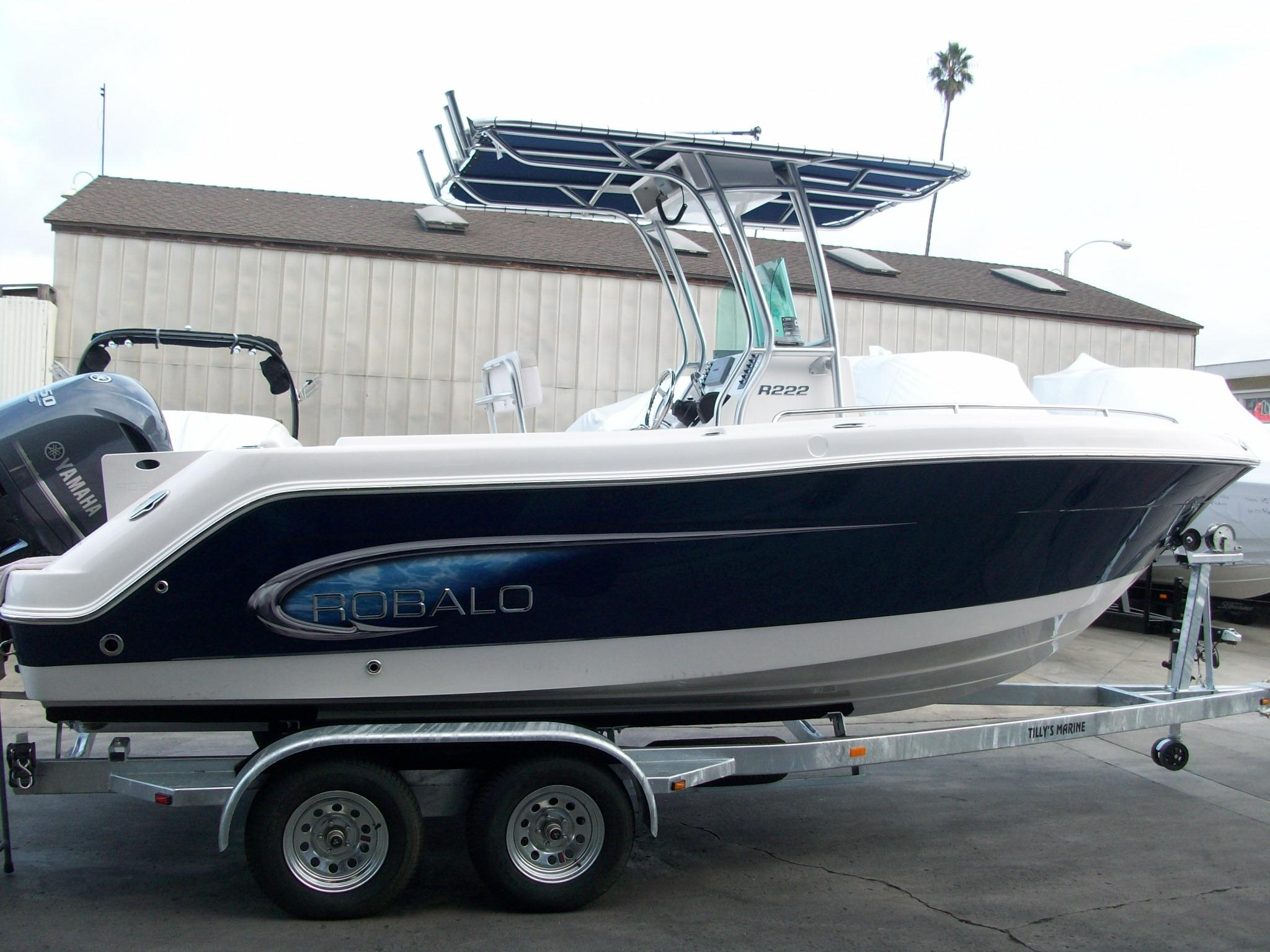 21 ft 2014 robalo r222 center console