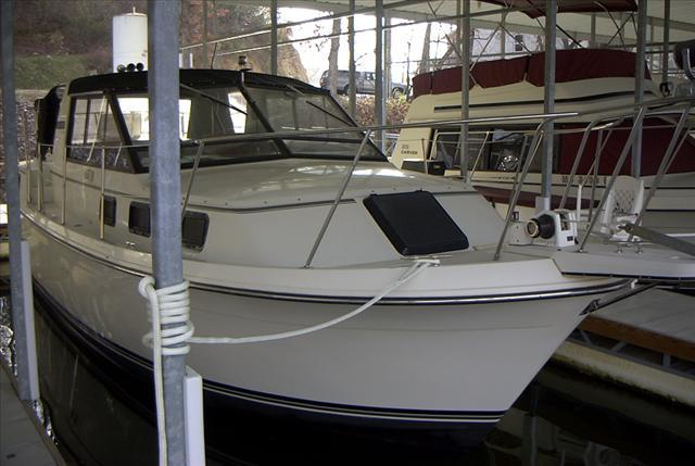 28 ft 1988 carver riveria