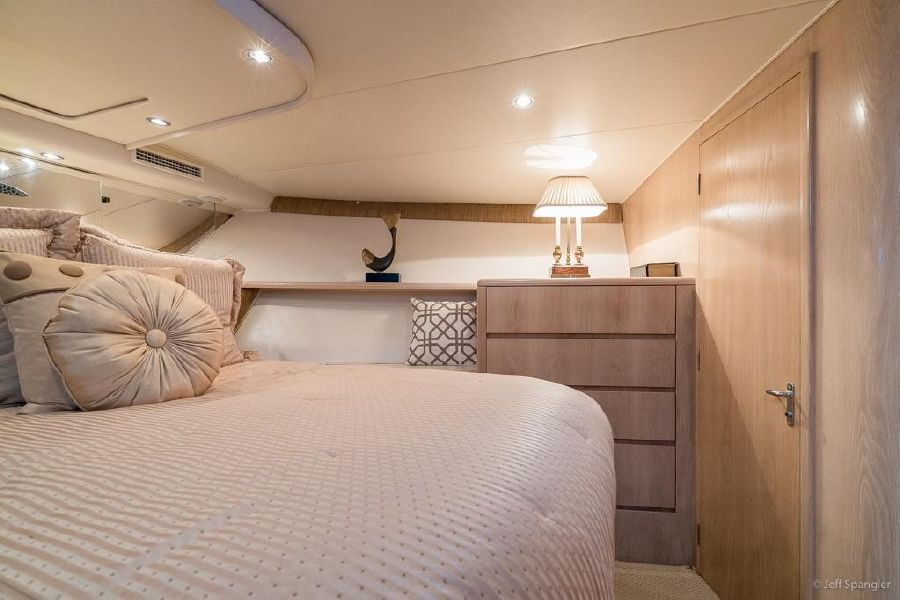 Hatteras 65 Convertible Master Stateroom