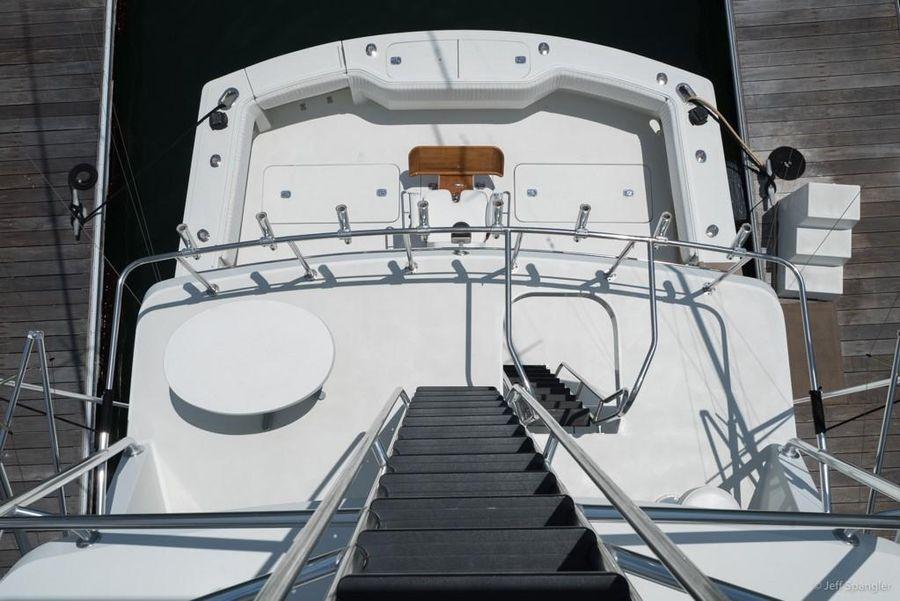 Hatteras 65 Convertible Cockpit