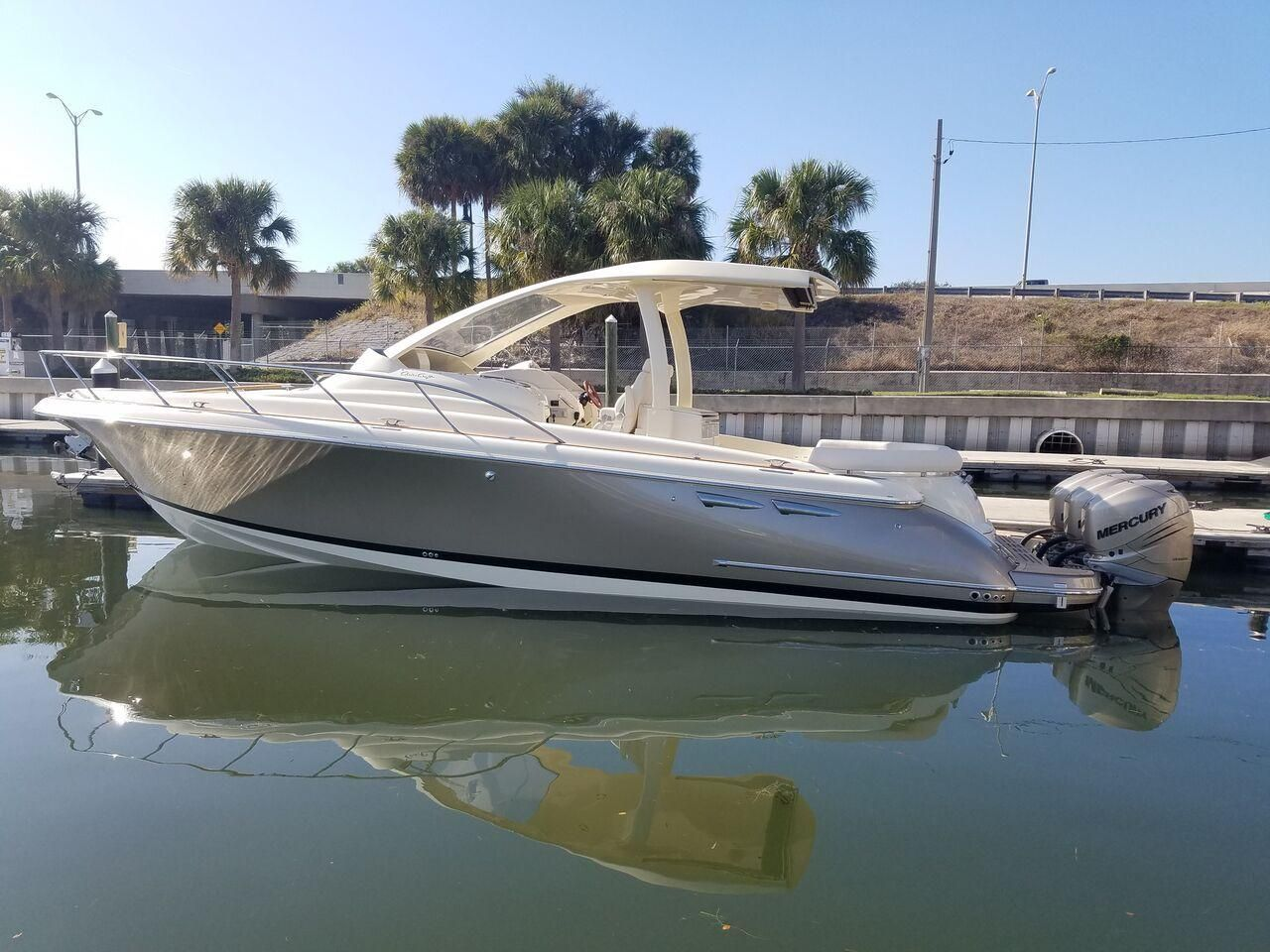 Chris Craft Launch  Specs
