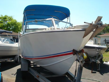 1976 Apollo 24' Short Deck Cuddy