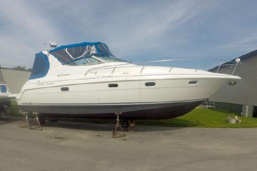 1997 Cruisers Yachts 3375