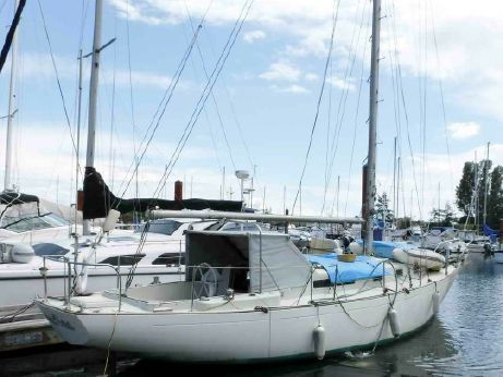 1971 Alberg 37 - Cruising Sailboat
