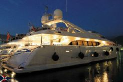 2006 Ferretti Yachts Custom Line 112