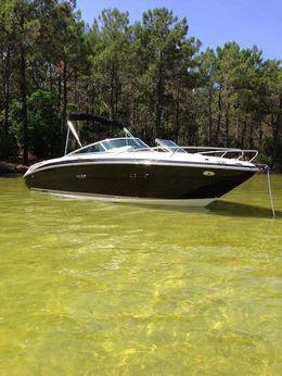 2012 Sea Ray 210 Overnighter