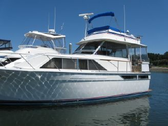 1977 Pacemaker 40 Motor Yacht